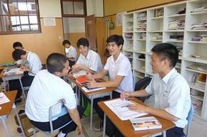 ルーカス君、学院で日本の学校体験